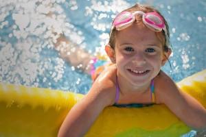 girl-pool